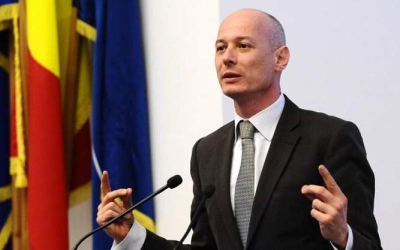 Bogdan Olteanu, în arest la domiciliu pentru milionul de euro primit drept mită de la Vîntu