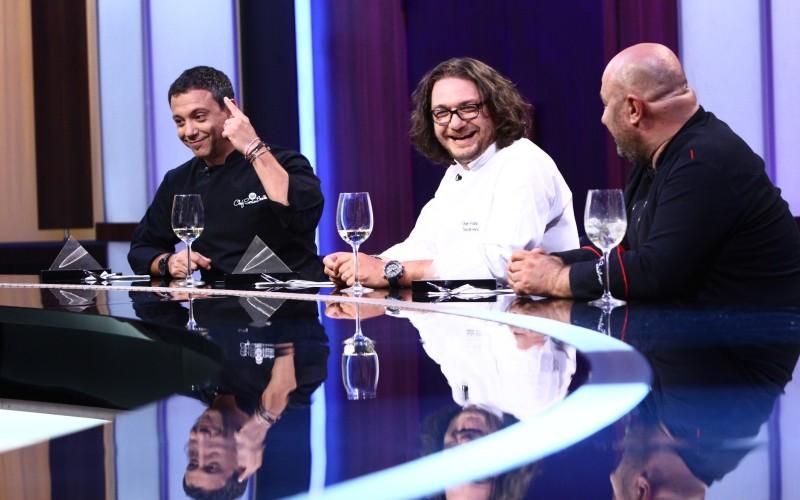 """Jurații învață și limbi străine la filmările show-ului """"Chefi la cuțite"""""""
