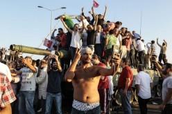 Erdogan a scăpat nevătămat. Lovitura de stat a eșuat în Turcia