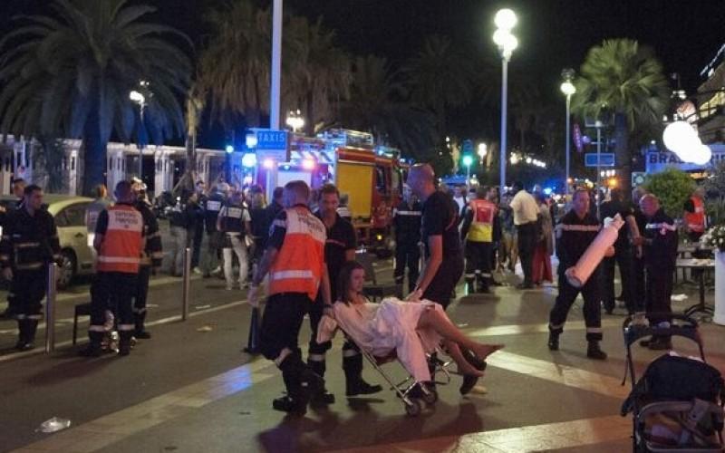 Doi români au fost la un pas de moarte în atentatul terorist de la Nisa. 84 de persoane au decedat
