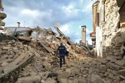 Guvernul acordă ajutoare în euro pentru familiile românilor morți în cutremurul din Italia