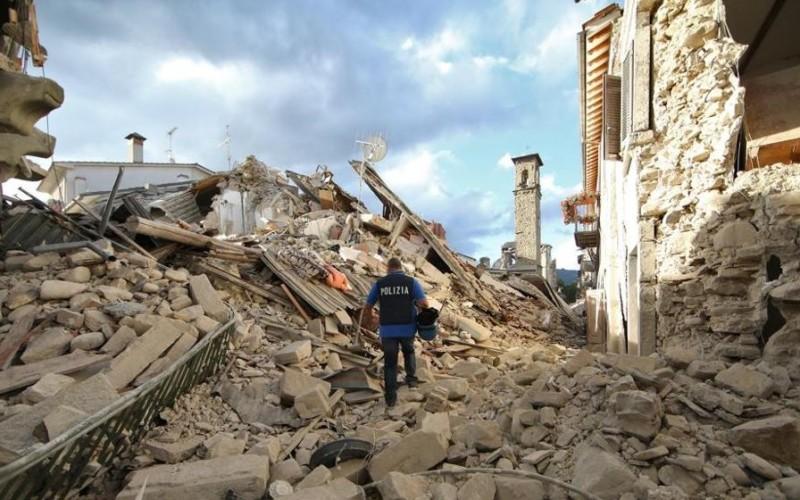 Cutremur devastator în Italia soldat cu 73 de morți și 150 de persoane dispărute