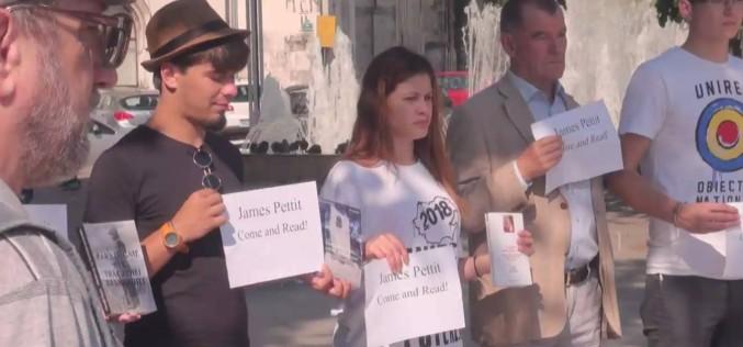 Românii și moldovenii cer retragerea Ambasadorului SUA de la Chișinău după declarațiile scandaloase