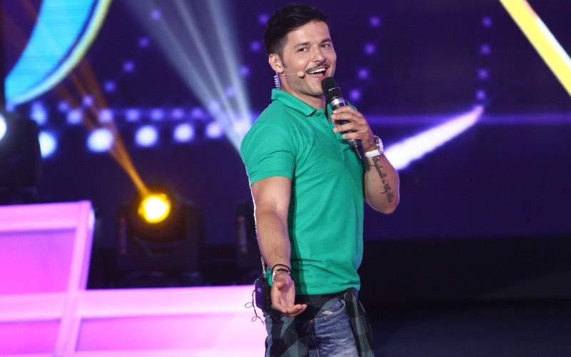 """Liviu Vârciu și-a lăsat mustață, ca să aibă noroc în marea finală """"FANtastic Show"""""""