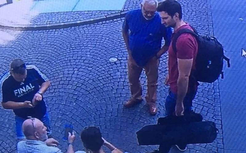 Românii care au apărut în reportajul Sky News, reținuți de DIICOT. Jurnalistul Stuart Ramsey, anchetat de procurori