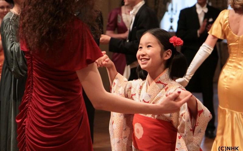 TVR 2 difuzează în premieră pentru România serialul japonez Aripi de mătase