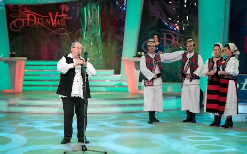 Dumitru Fărcaş, taragotul de Aur al folclorului românesc cântă O dată-n viaţă la TVR 1