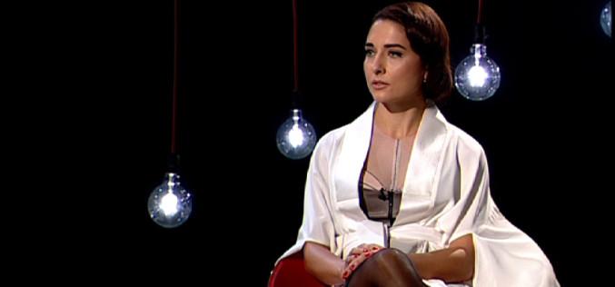Andreea Bădală, designerul care îmbracă vedete internaţionale, pe podiumul Garantat 100%