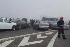 Peste 100 salvatori au intervenit la accidentul în lanț produs pe Autostrada A2