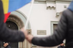 Protest la Ambasada Moldovei din București din fraudei la alegerile prezidențiale