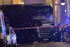Măcel la Târgul de Crăciun de la Berlin. Un camion a intrat în mulțime și a ucis nouă persoane