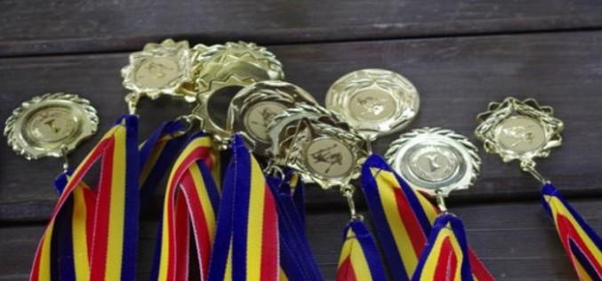Elevii români au cucerit 7 medalii la Turneul Internaţional de Informatică Shumen 2016