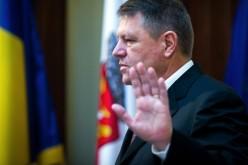 Iohannis, făcut praf de susţinătorii săi pentru că a acceptat-o pe Viorica Dăncilă ca premier