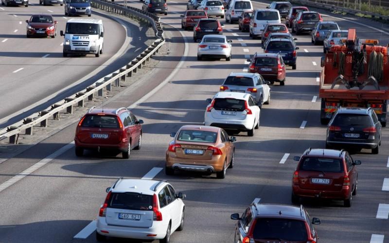 Veşti proaste pentru români. Guvernul PSD reintroduce taxa auto!!!