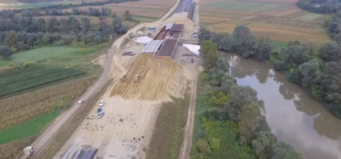 Americanii au dat un tun de jumătate de miliard de euro la Autostrada Transilvania