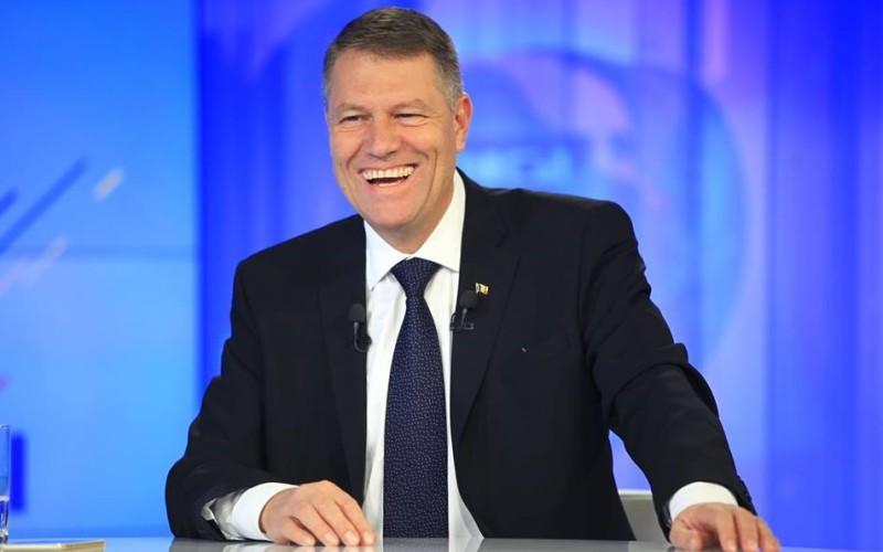 Klaus Iohannis a mai câştigat încă cinci ani de mandat şi de plimbat în vacanţe şi concedii