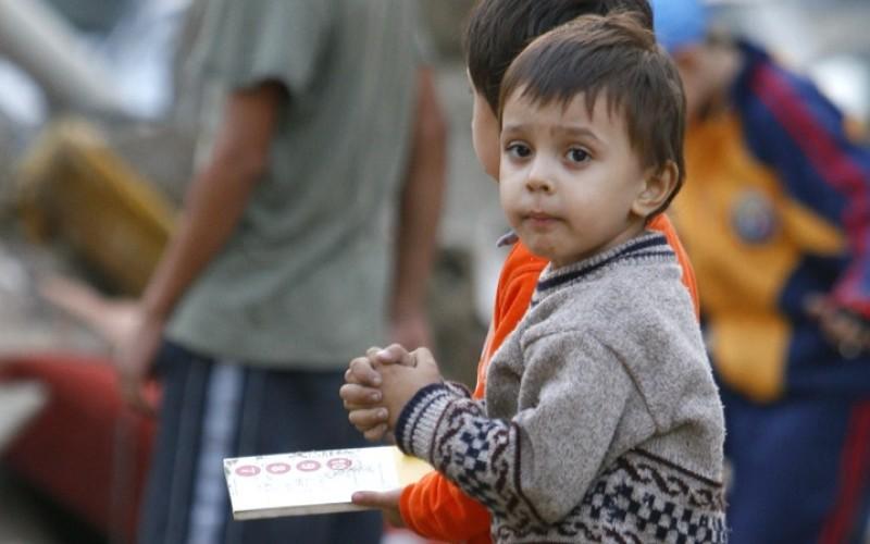 RUȘINOS | Unul din 10 copii moare de foame în România