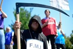 FMI anunță dezastru în România. Forul cere Guvernului să înghețe pensiile
