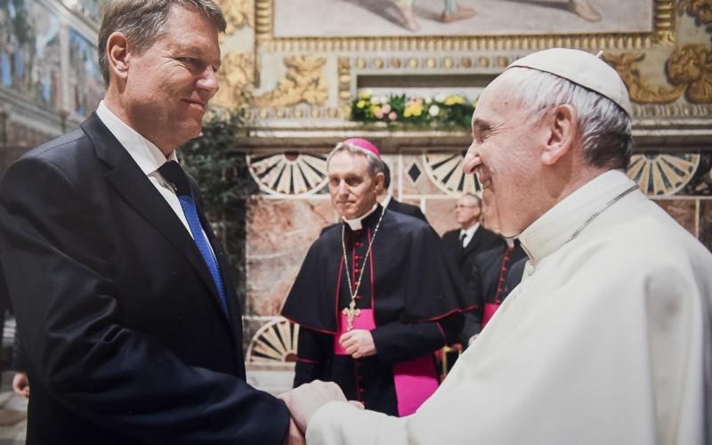 Iohannis, vizită importantă la Vatican. A discutat cu Suveranul Pontif despre vizita în România