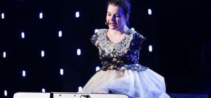 Fetița fără mâini care cântă la pian cu picioarele, a emoționat o țară întreagă la Românii au talent
