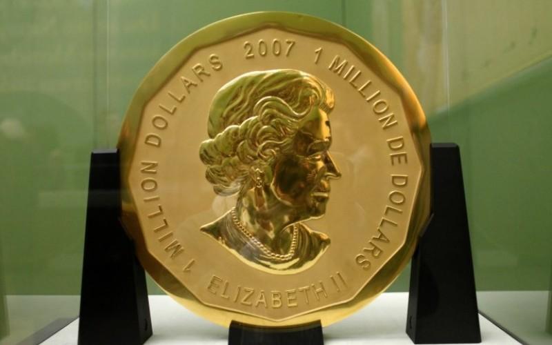 FURTUL secolului în Germania. Hoții au fugit cu o monedă din aur de 100 de kg
