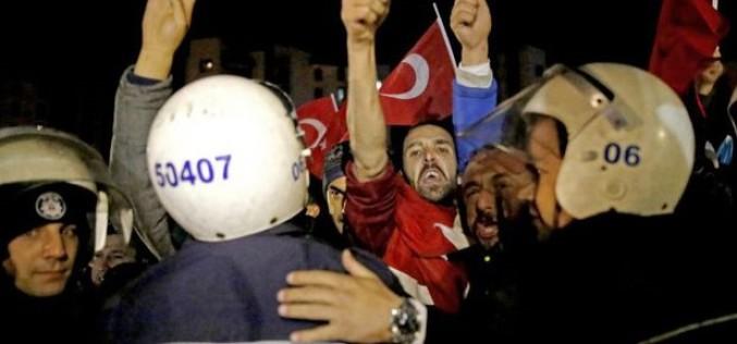Scandal diplomatic între Turcia și Olanda. Un ministru turc a fost expulzat din Rotterdam
