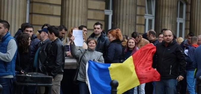 Românii plecaţi la muncă în străinătate, obligaţi să plătească o TAXĂ LUNARĂ în ţară!