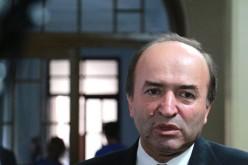 Uite în ce hal încalcă legea noul Ministru al Justiției, Tudorel Toader – VIDEO