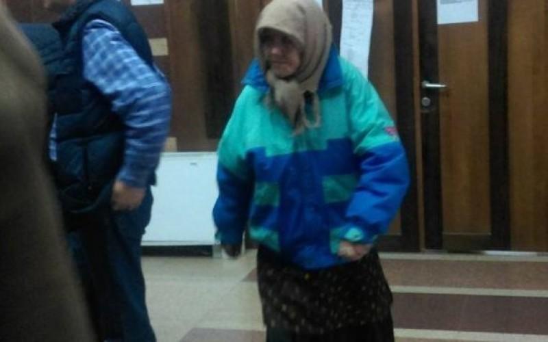Bătrână de 80 de ani, condamnată la închisoare pentru că și-a ucis violatorul