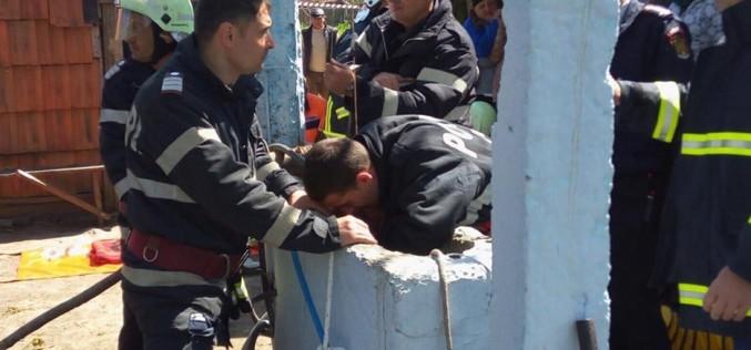 Operațiune dramatică de salvare a unui copil de doi ani căzut într-o fântână