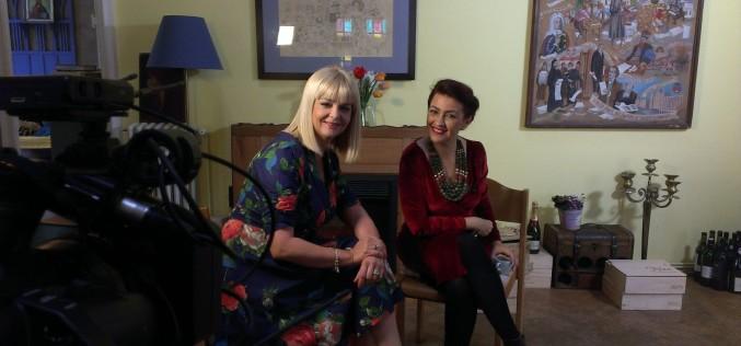 """Rona Hartner i se confesează Iulianei Marciuc la  """"Destine ca-n filme"""""""