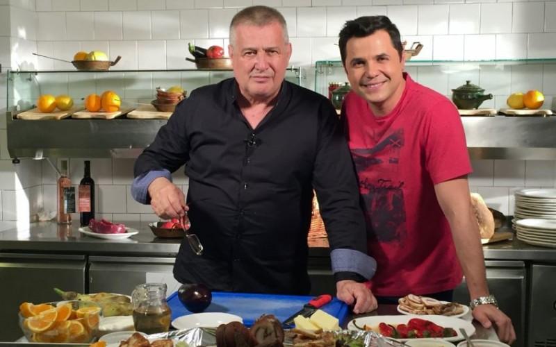 """Cove, """"degustător de lucruri fine"""" în bucătăria lui Dinescu la TVR"""