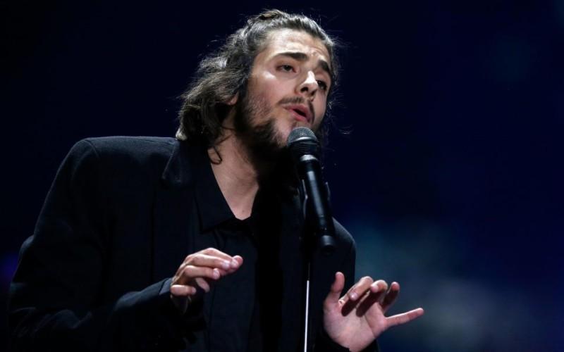 Eurovisionul a fost câştigat de un portughez grav bolnav. Are nevoie de un transplant de inimă