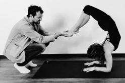 Andrei Aradits a început să facă yoga, la îndemnul soției sale