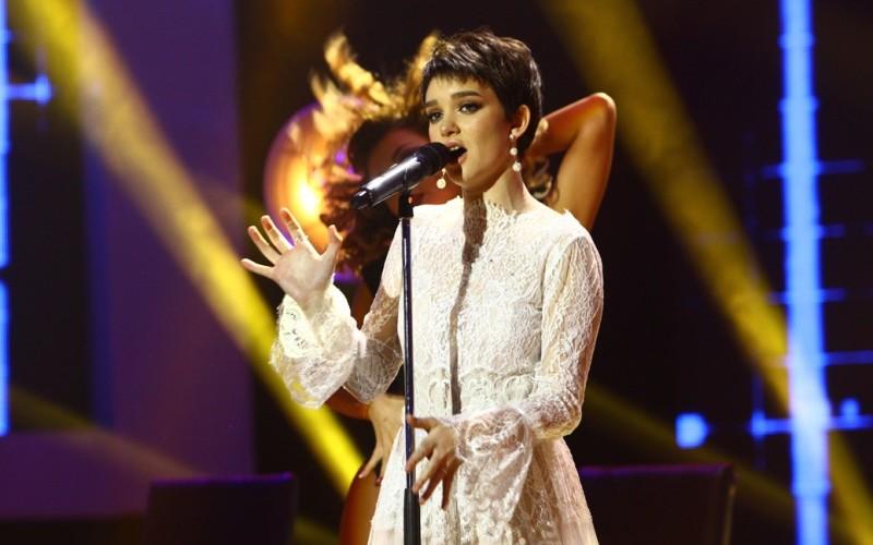 """Olga Verbițchi, câștigătoarea """"X Factor"""", lansează prima piesă din carieră, """"Prietena ta"""" – VIDEO"""