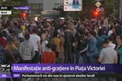 Grațierea corupților scoate din nou românii în stradă. Peste 2000 de români s-au adunat în Piața Victoriei
