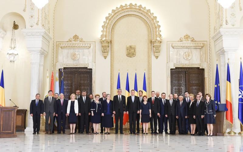 Guvernul Tudose a primit votul Parlamentului. Miniștrii au depus jurământul la Cotroceni