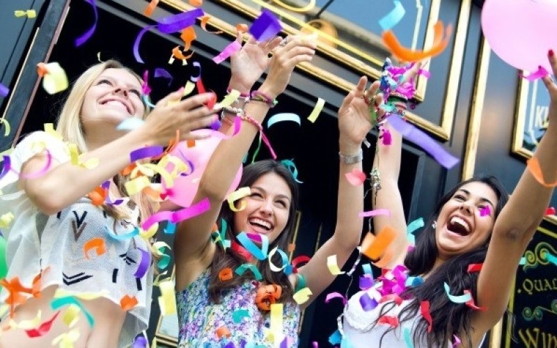 Cum sa organizezi o petrecere pentru o adolescenta