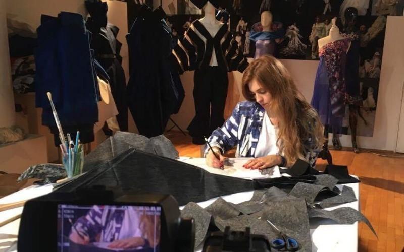 #creativ: un altfel de portret Alina Gurguţă, designer vestimentar