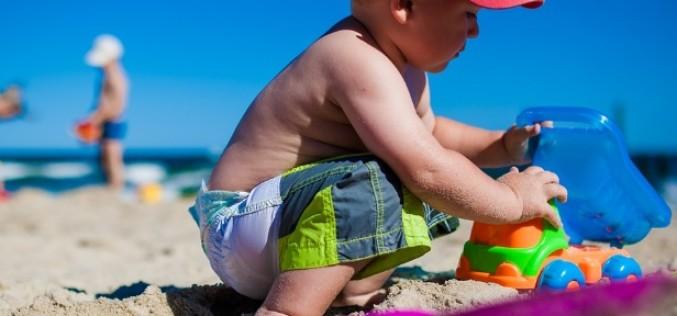 10 sfaturi pentru vacantele cu cei mici la plaja