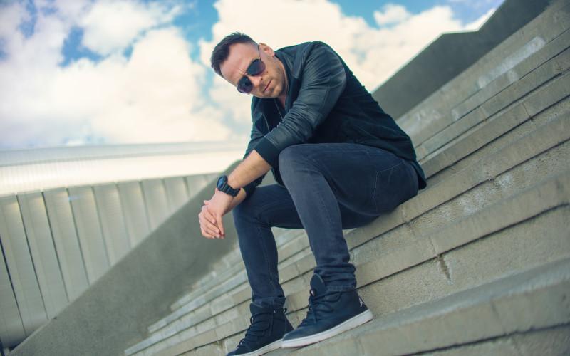 """Aner ne spune că a lăsat totul """"În urma ta"""" în cel mai recent single al său – VIDEO"""