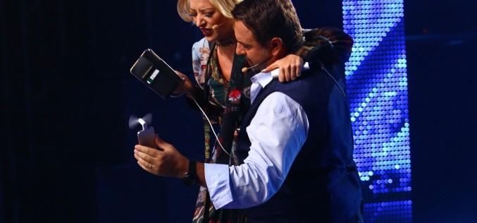 Delia, purtată în brațe de Horia Brenciu la X Factor