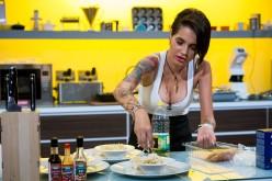 """Diana de la """"Insula iubirii"""" vine să gătească la """"Chefi la cutite"""""""