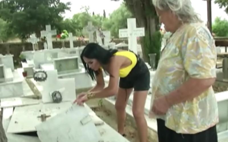 Margherita a luat pământ din cimitir ca să-şi facă mască de față