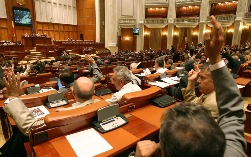 Cutremur pe scena politică românească. Politicienii au primit lovitura devastatoare!