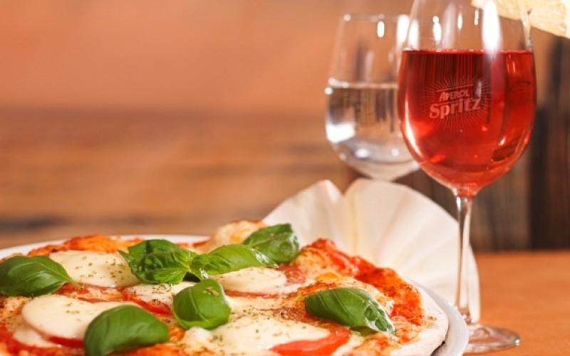 5 modalitati delicioase de a manca pizza