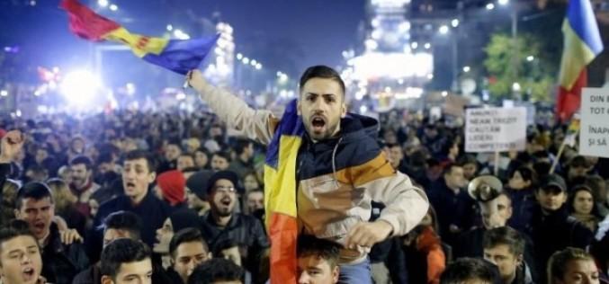 Lovitură devastatoare pentru politicieni. Românii sunt chemaţi să lupte împotriva clasei politice corupte