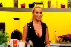 """O starletă Playboy încinge atmosfera la  ,,Chefi la cuțite"""""""