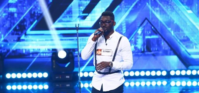 Un doctor nigerian încearcă să îmbine muzica și medicina în România