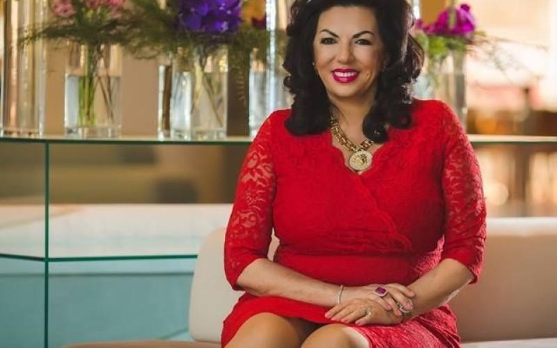 Carmen Hara, obsedată de rochia pe care Melania Trump a purtat-o prima dată la Casa Albă